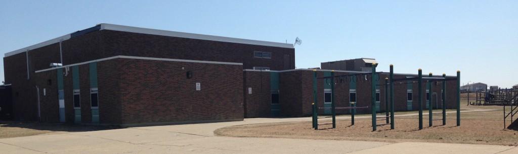 Moos School